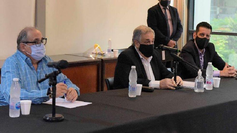 El ministro de Economía Eduardo Garvich presentó el Presupuesto 2021 en la Legislatura de Tucumán