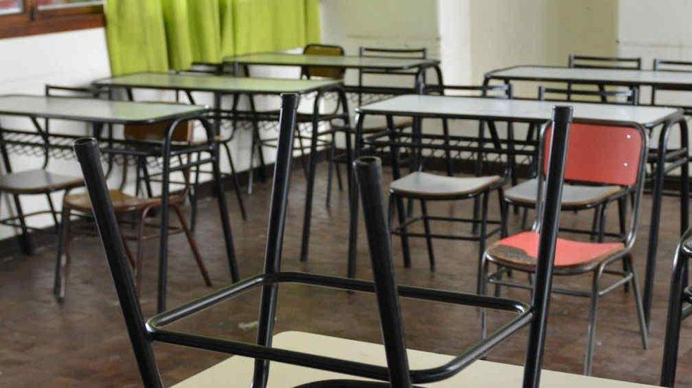 Vuelta a clases presenciales: sindicatos docentes llaman a parar este lunes