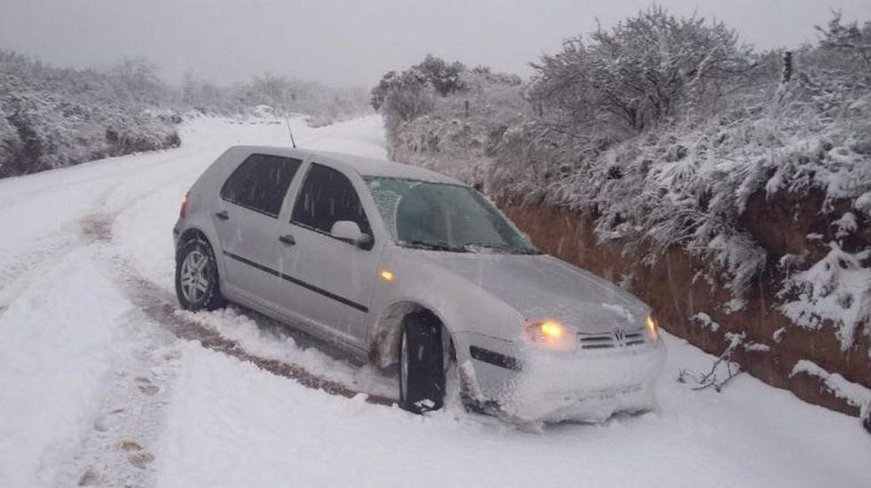 En fotos y videos, la increíble nevada en el norte de Córdoba
