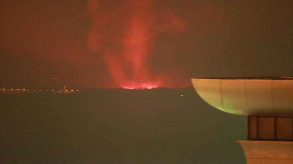 Incendios en la isla frente a Paraná