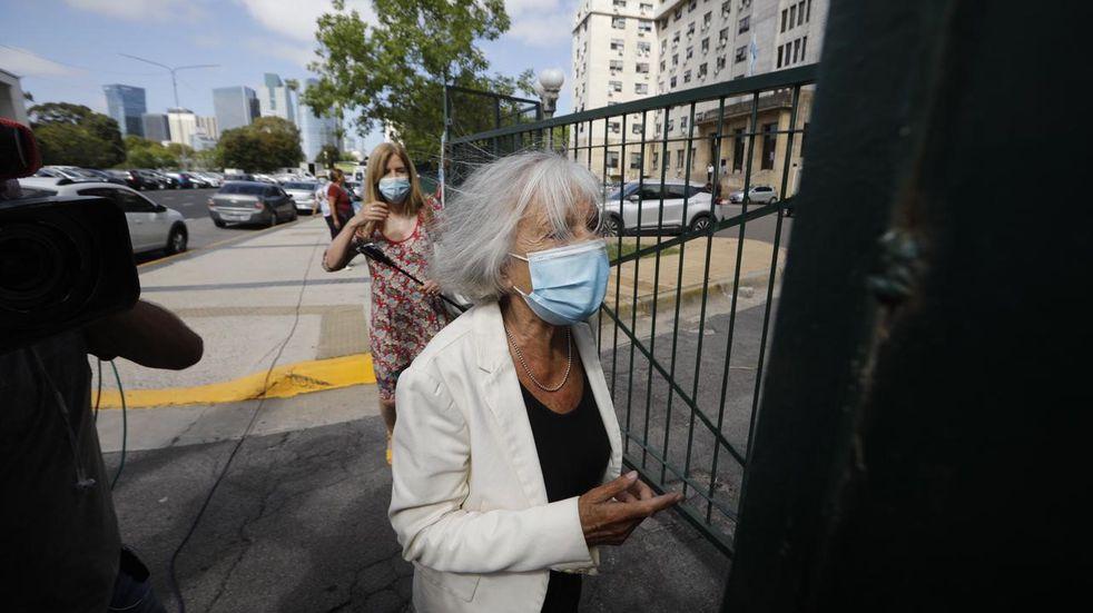 El Gobierno bonaerense admitió que la polémica con Sarlo afectó la credibilidad del plan de vacunación
