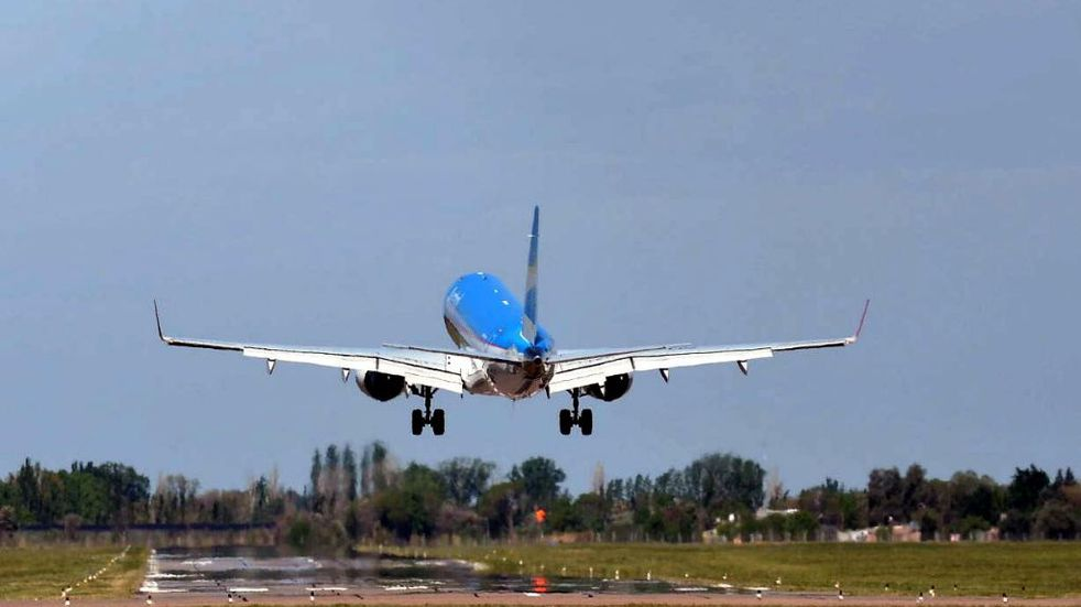 En San Rafael aumentan los vuelos y en Malargüe buscan conectar con Buenos Aires vía aérea