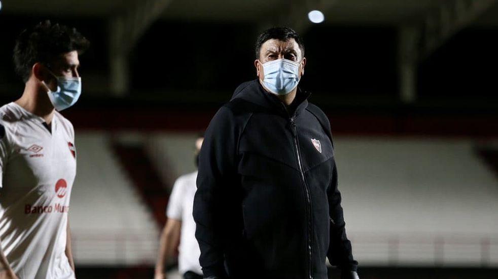 "Germán Burgos se fue ""orgulloso"" de Newell's a pesar de la derrota en La Plata"