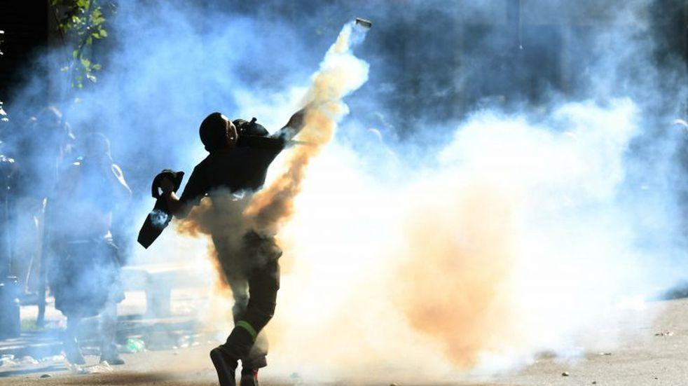 Las impactantes fotos del enfrentamiento entre manifestantes y la policía