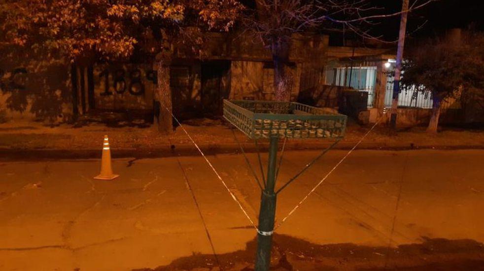 Le dispararon en el rostro a un adolescente de 15 años en Villa Gobernador Gálvez y está grave
