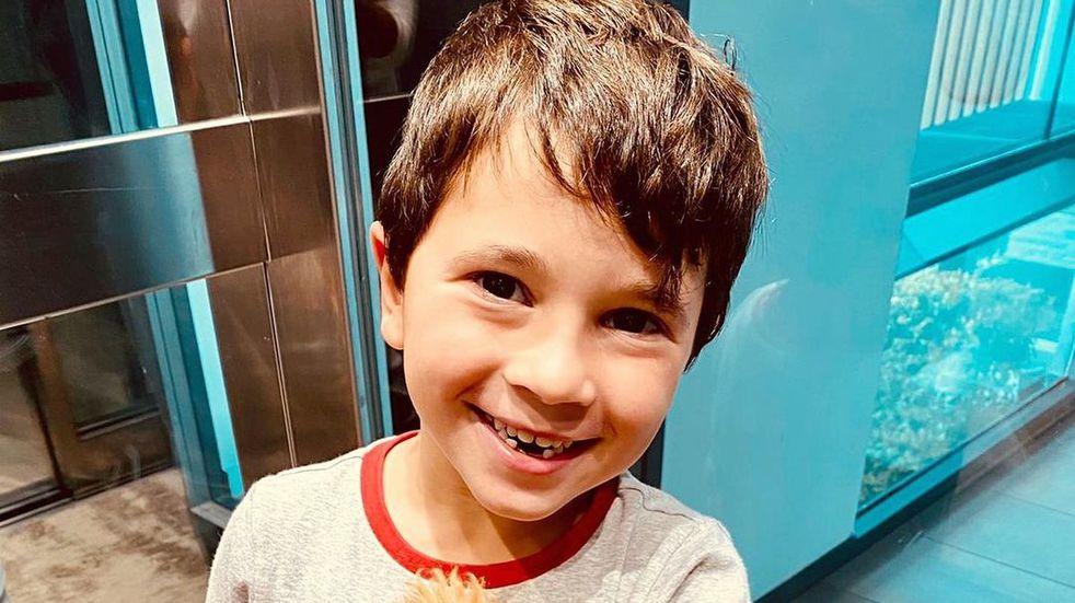 Antes que papá: Mateo Messi debutó con la pelota en una plaza de París