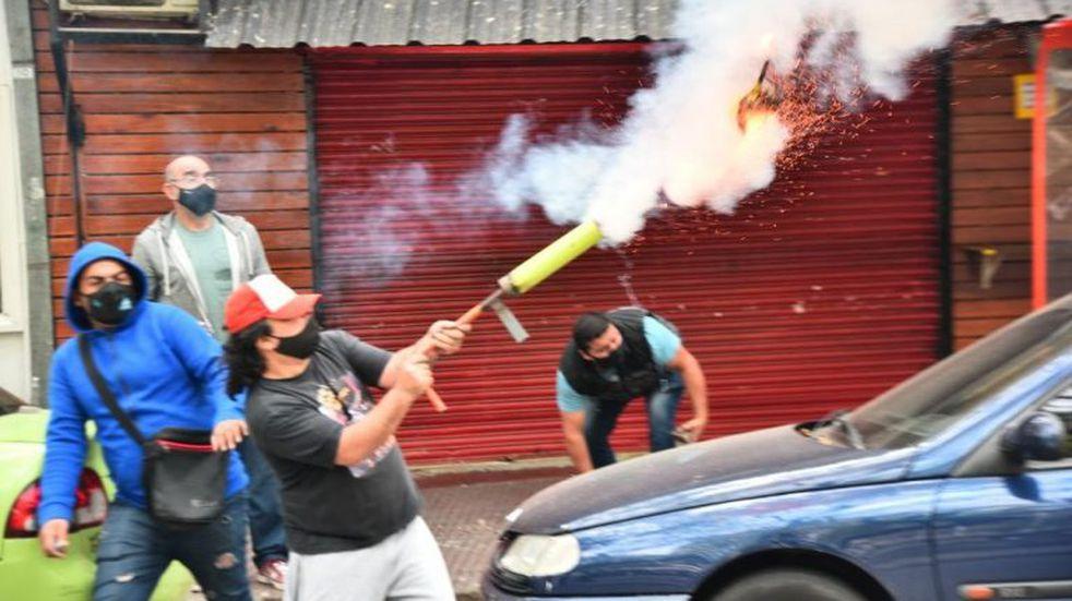 El intendente de Córdoba despidió al empleado municipal que usó el mortero en la marcha del Suoem
