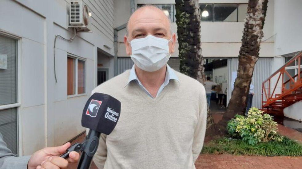 El Diputado Nacional, Ricardo Welbach, votó en el campus de la Universidad Gastón Dachary.