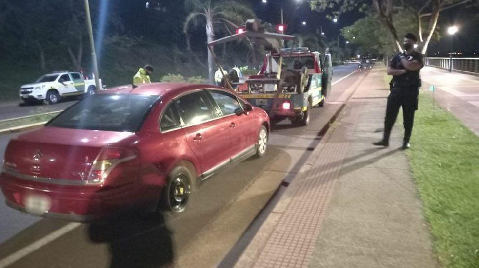 En controles vehiculares retuvieron más de 20 autos y labraron actas por infracción