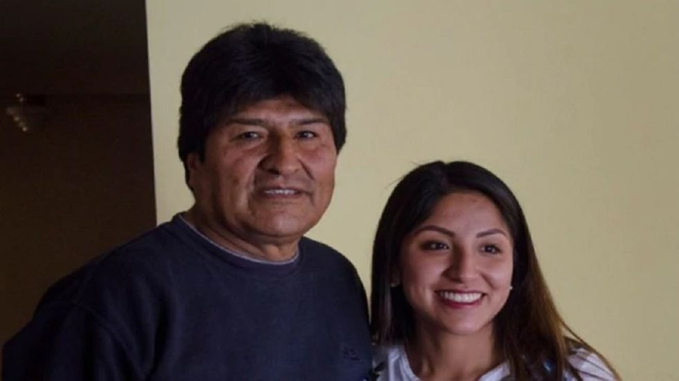 Bolivia: crece la polémica por la vacunación de Evaliz, la hija de Evo Morales, de 26 años