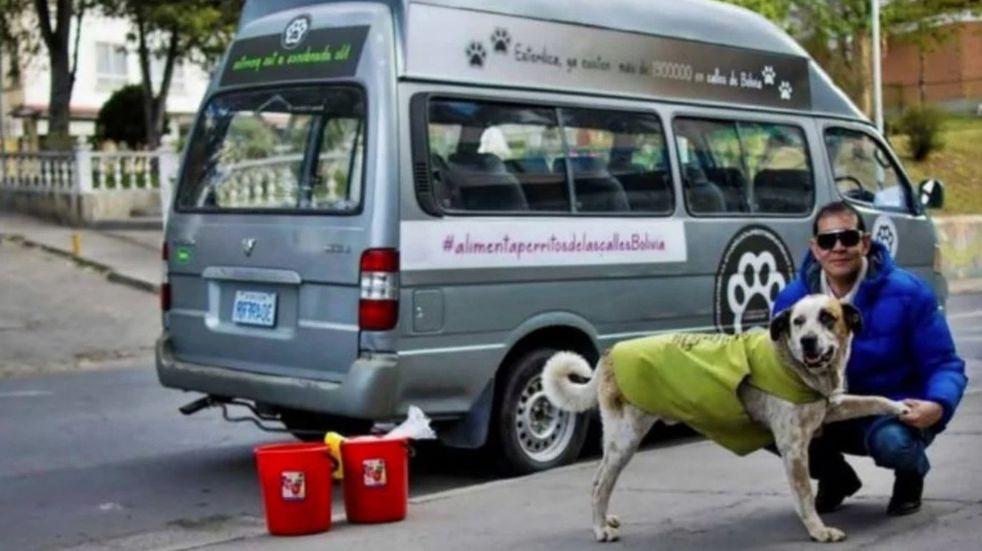 """La emotiva historia de Fernando """"Ferchy"""" Kushner: dejó una vida de lujos para dedicarse al cuidado de perros callejeros"""