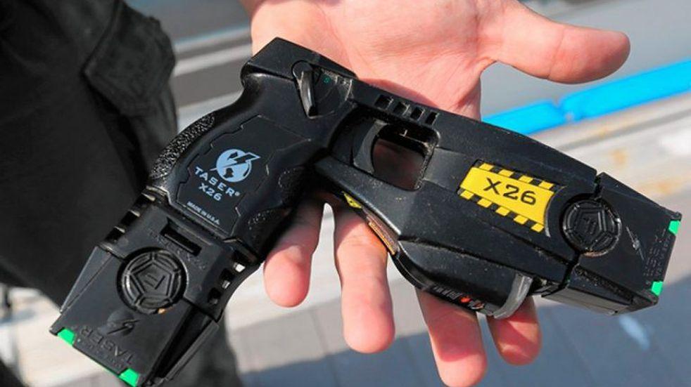 Cómo funcionan las pistolas Taser que podrán utilizar las fuerzas de seguridad