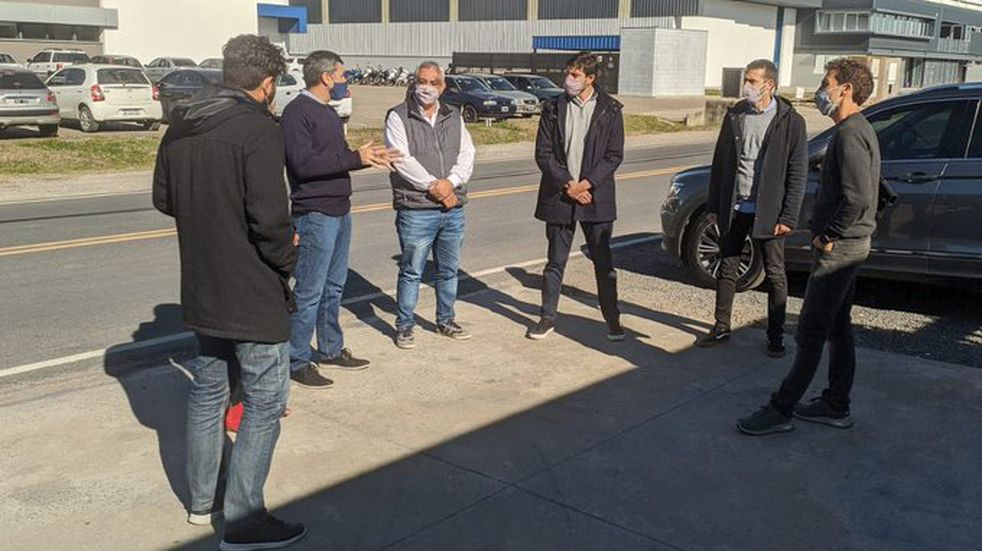 El Intendente de Pérez y Juano Gonzalez Utges visitaron la fábrica Maincal