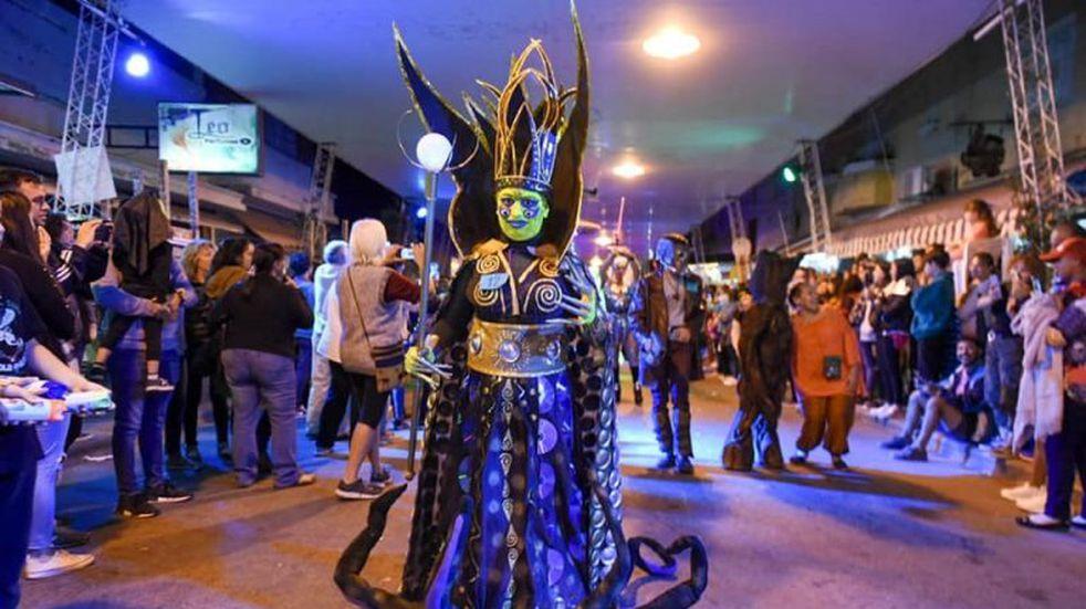 Una multitud disfrutó del Festival Alienígena de Capilla del Monte