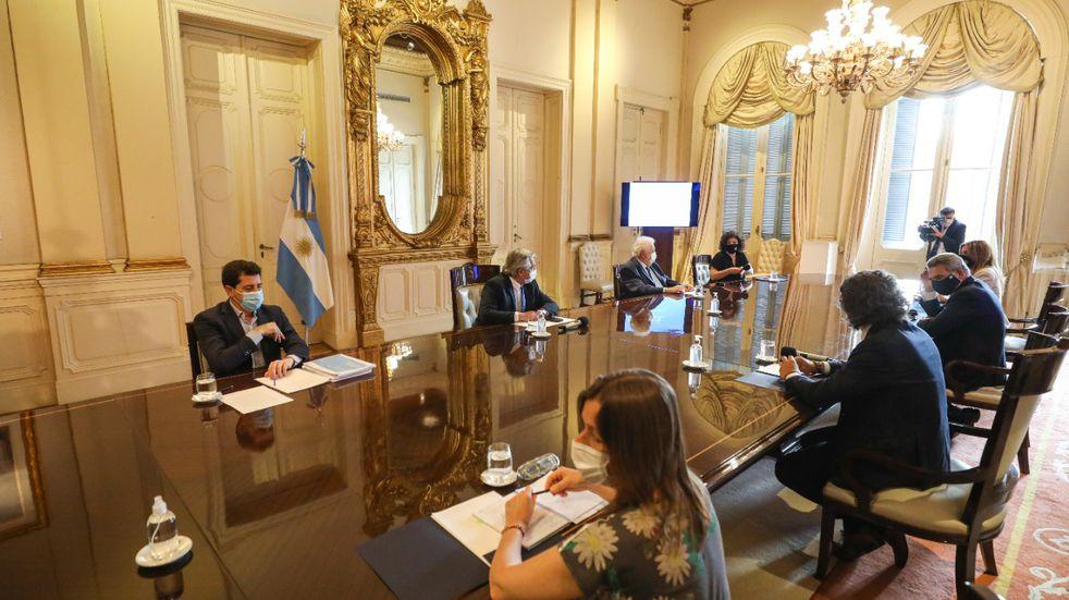 Coronavirus: Alberto Fernández encabeza la primera reunión oficial del Comité de Vacunación