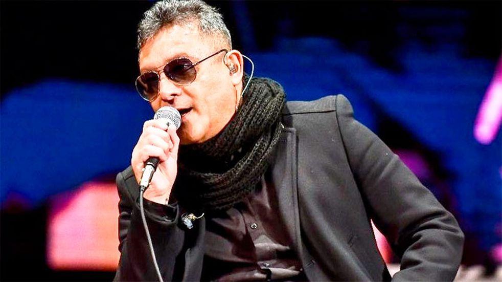 Sergio Torres brilló al cantar el Himno en el partido de Argentina y Bolivia