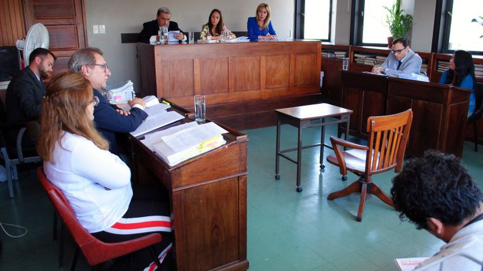 Condenan a una mujer a 14 años de prisión por ahorcar a su pareja