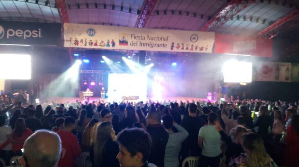 Amar Azul retornó y la rompió en la Fiesta Nacional del Inmigrante en Oberá.