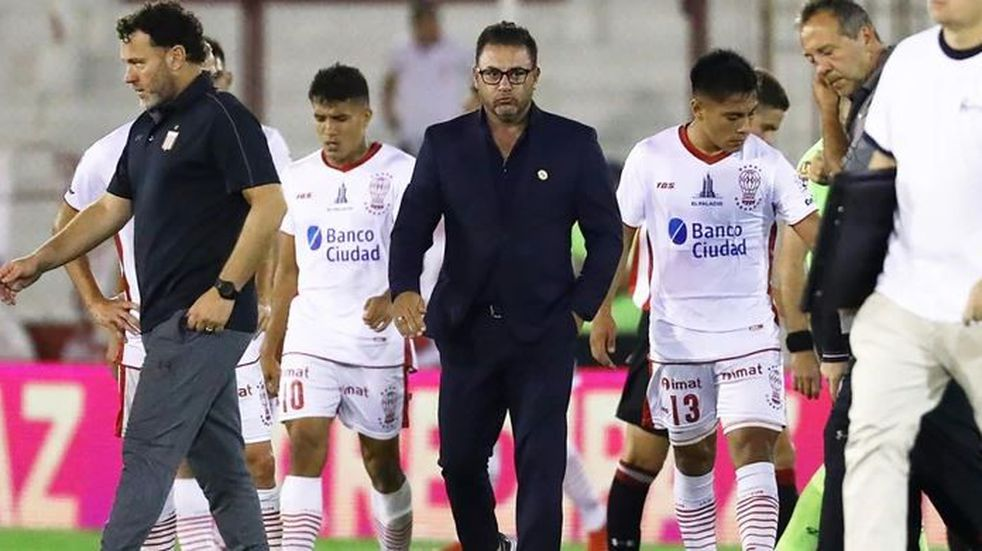 La Superliga sancionó a Huracán con la quita de seis puntos