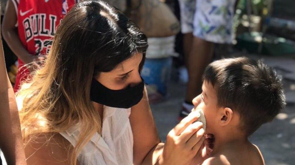 Una joven mendocina ayuda a cuatro merenderos de Las Heras