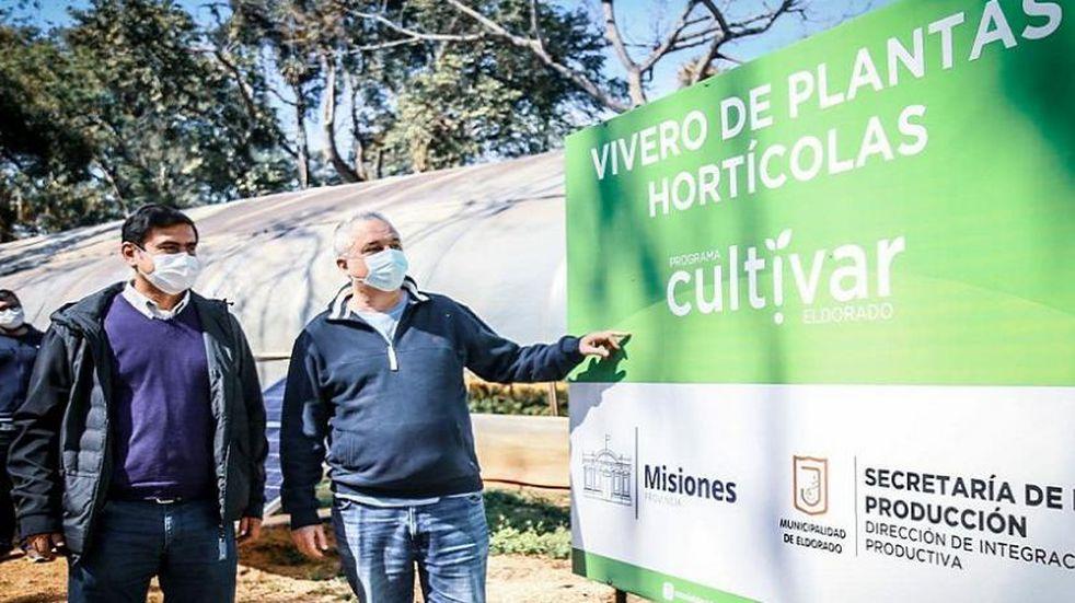 Eldorado: El Intendente Martínez junto a Passalacqua recorrieron el Vivero Municipal
