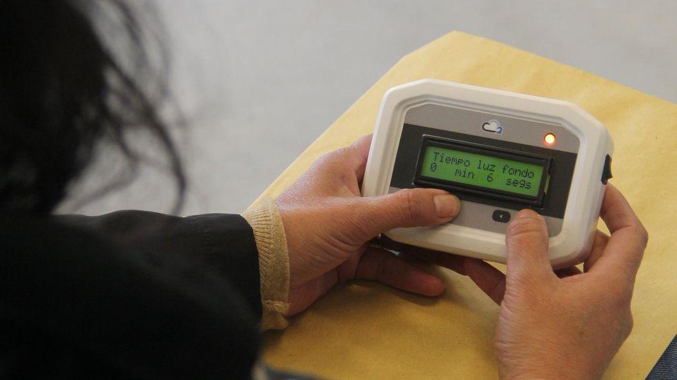La UNR repartió medidores de dióxido de carbono para prevenir el coronavirus