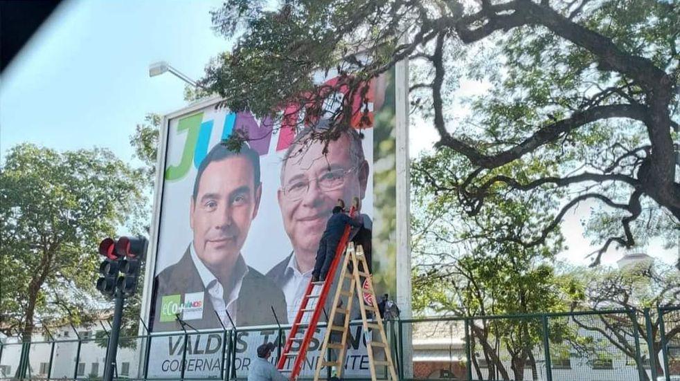 Elecciones en Corrientes: polémica y retiro de un cartel proselitista del oficialismo
