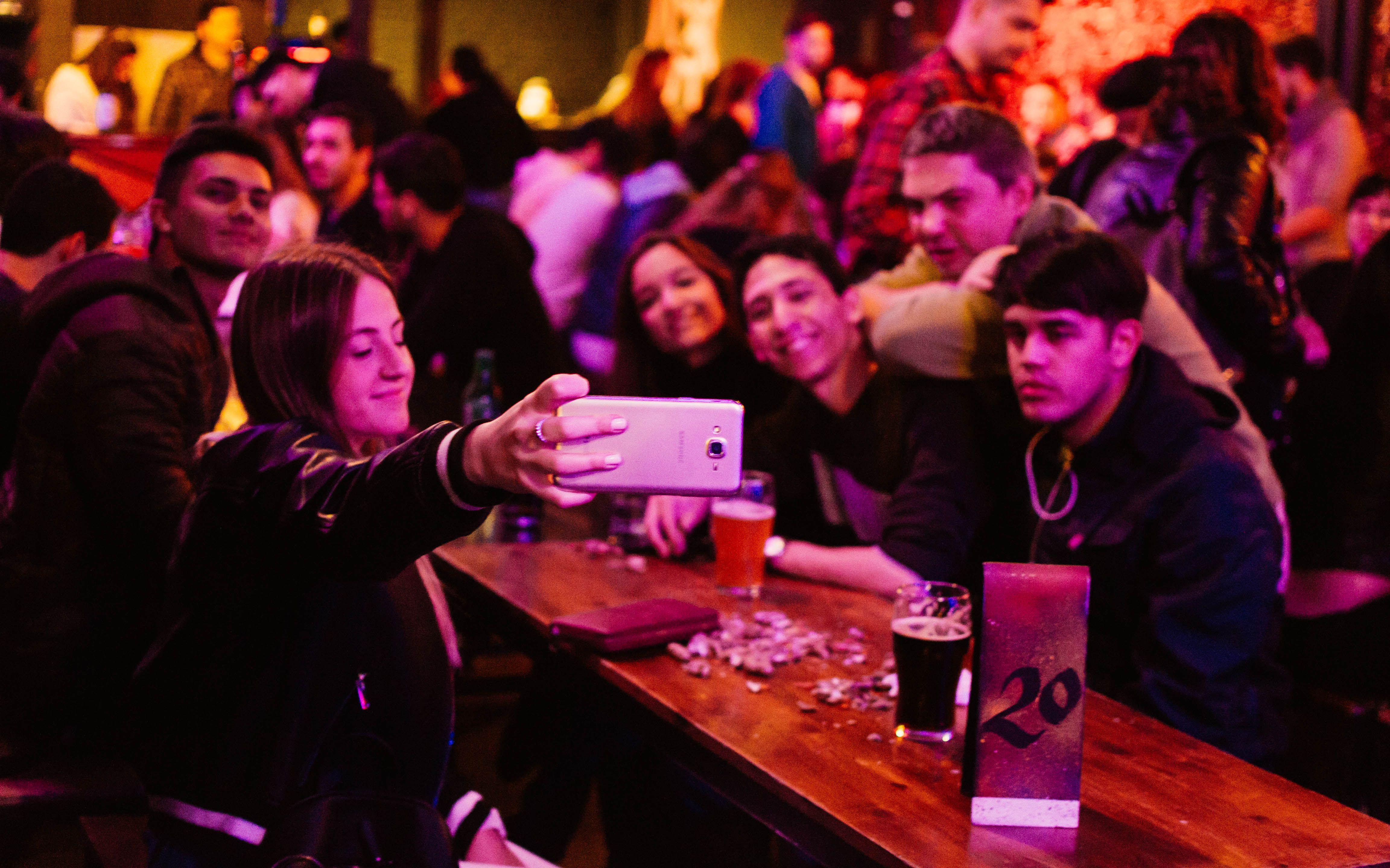 Bar el Botellón Mendoza. Fotos de archivo.