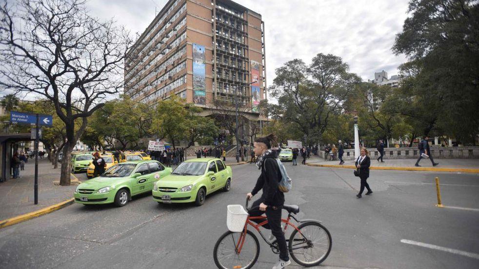Remiseros de Córdoba no avalan el aumento de tarifa