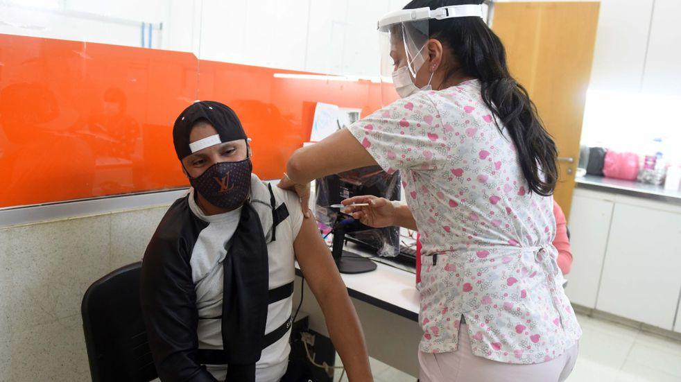 Coronavirus en Rosario: la ciudad se estabiliza en torno a los 700 casos diarios