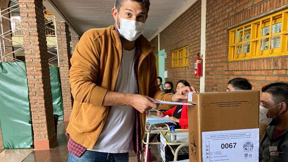 """Votó Facundo López Sartori y dijo que """"somos un ejemplo para el país"""""""