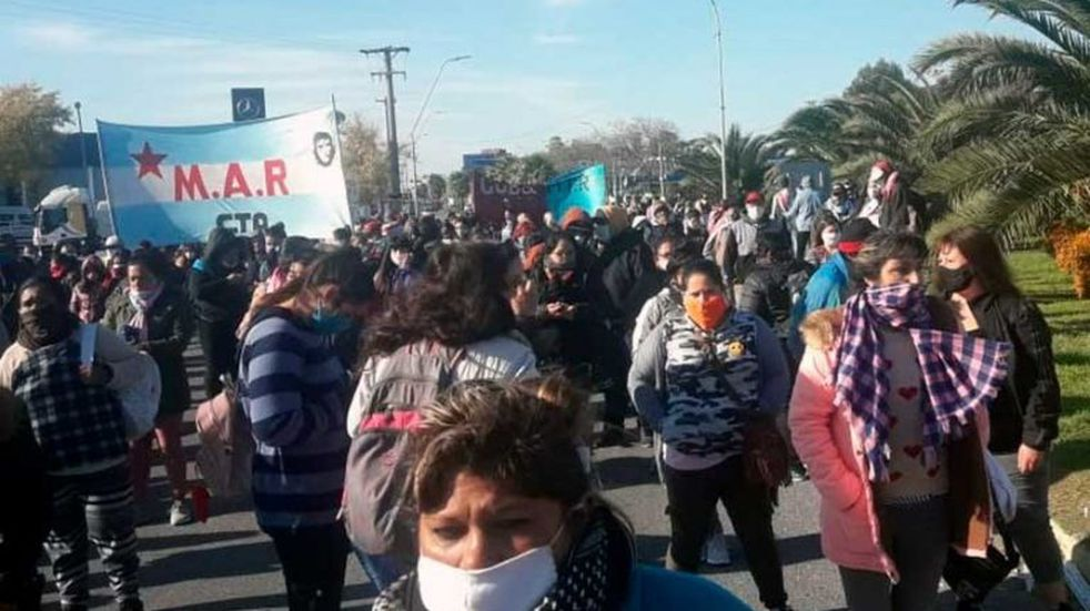 Corte de la Ruta 2: organizaciones sociales reclamaron por alimentos