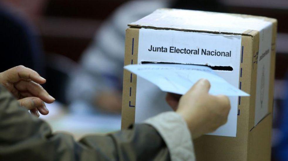 PASO en Corrientes: inició la votación con algunas demoras por falta de presidentes de mesa