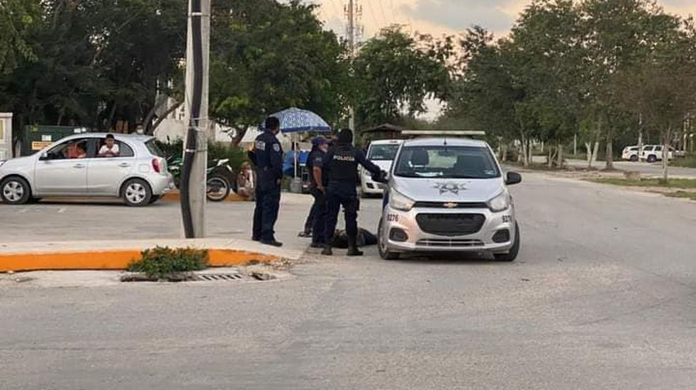 Una mujer fue sometida por policías y murió en Tulum, Quintana Roo