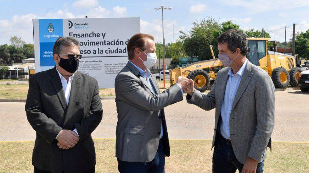 El gobernador estuvo con el intendente, Alfredo Francolini, y el titular del Enohsa, Enrique Cresto