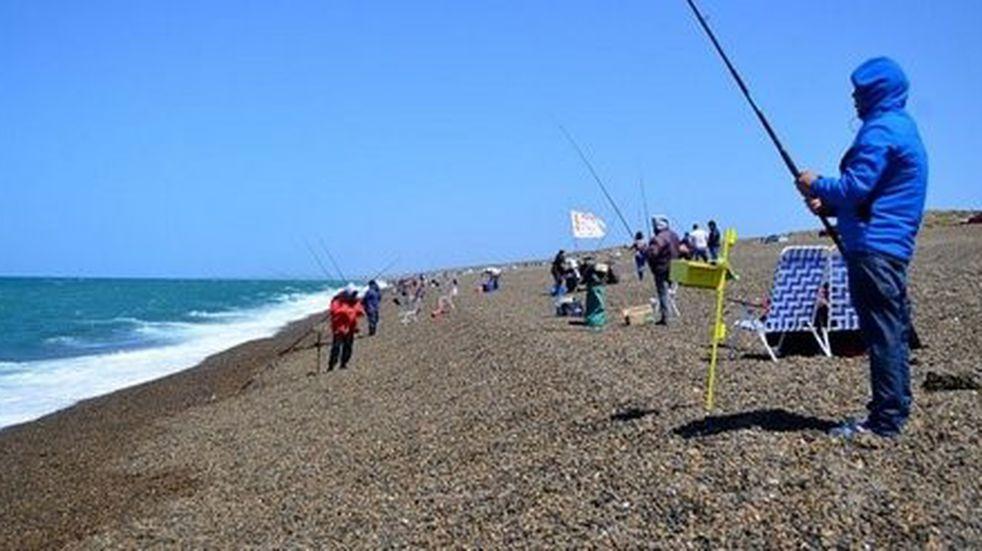 Permiten salir a pescar durante cuatro horas