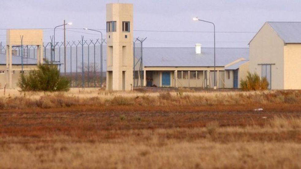 Dos presas imitaron a Nahir Galarza al fotografiarse en una cárcel de Viedma