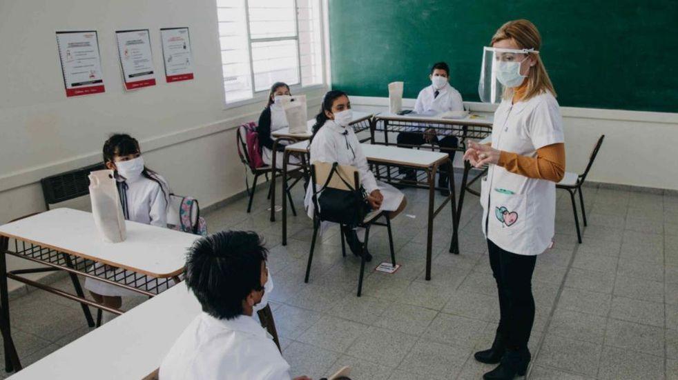 Analizan que la presencialidad en las escuelas sanjuaninas sea obligatoria en el segundo semestre