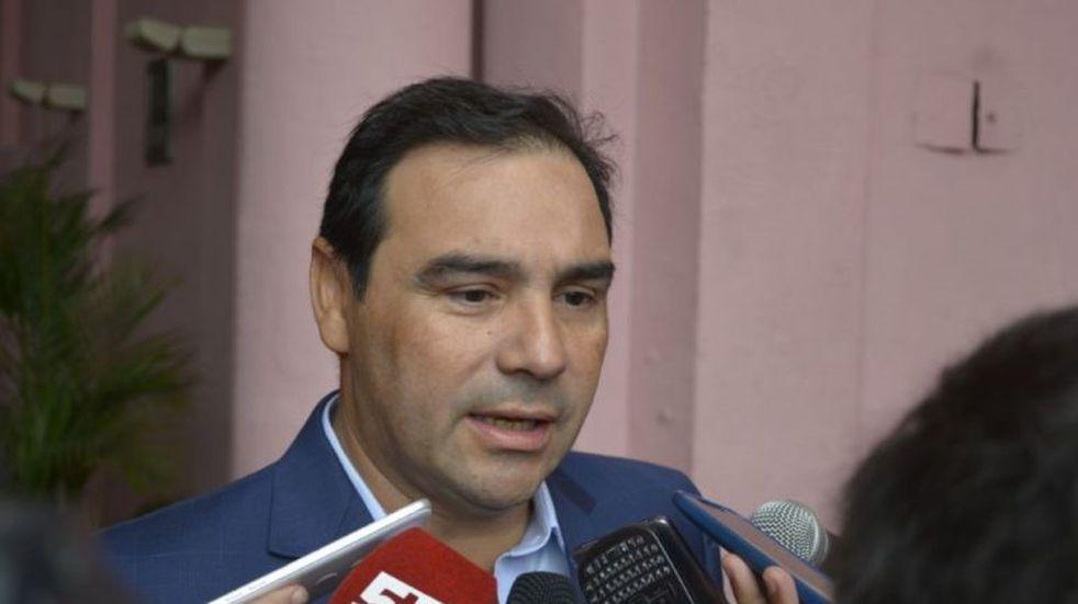 Gustavo Valdés anunció incremento salarial para los empleados públicos