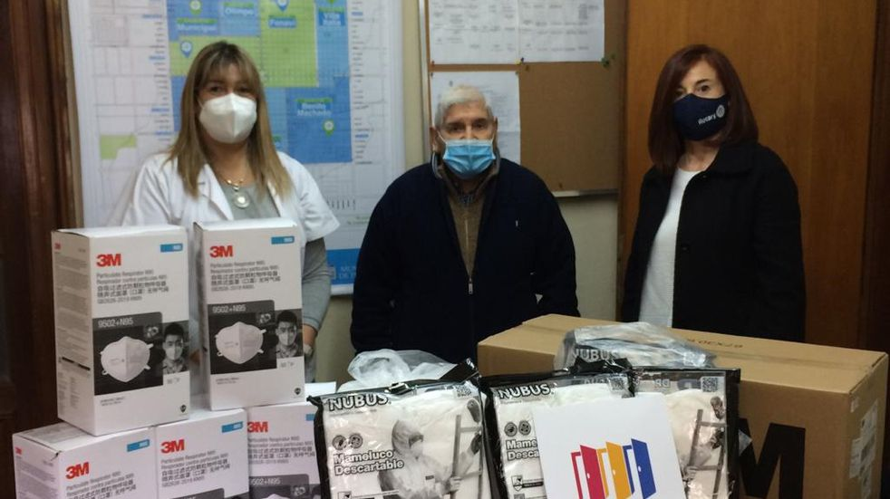 Rotary Tres Arroyos entregó donación a la Comisión Amigos Hospital Pirovano