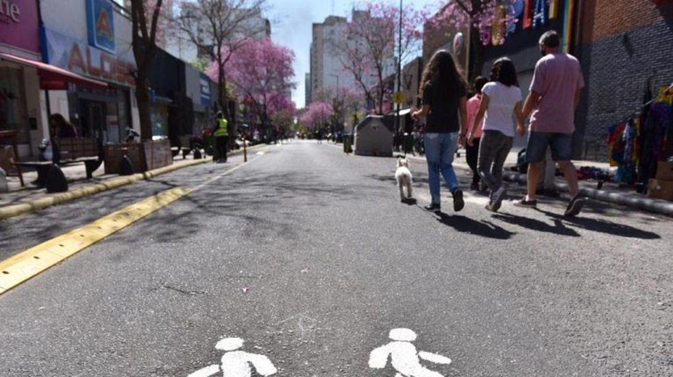 Vuelven a peatonalizar centros comerciales de La Plata