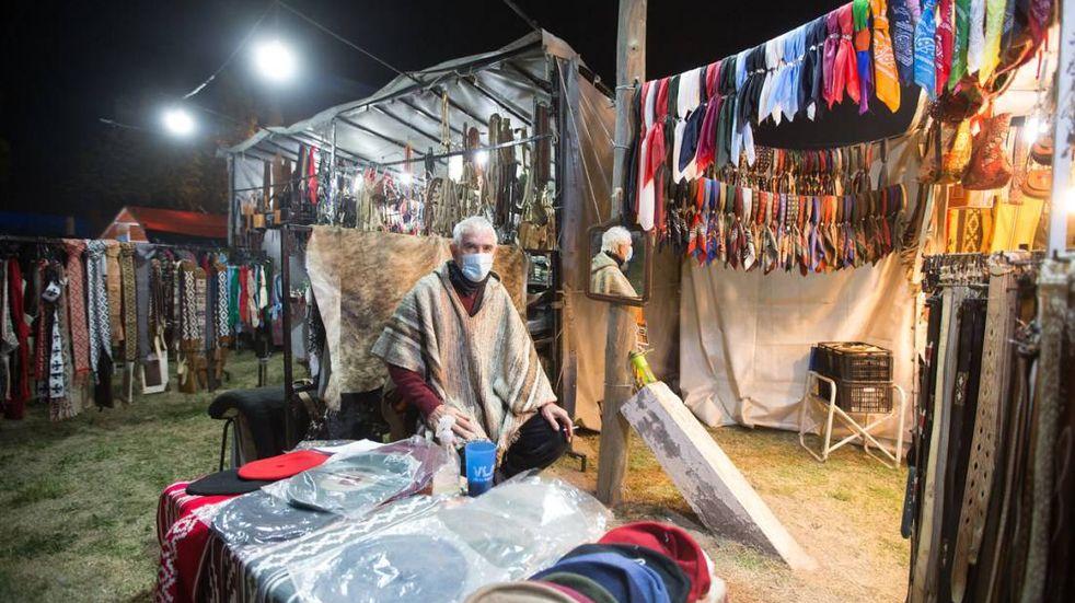 Exposicion, comercial, indsutrial y artesanal en la Fiesta de la Ganadería.