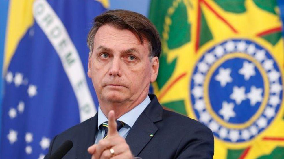 Bolsonaro afirmó que no está presionado para iniciar la vacunación en Brasil