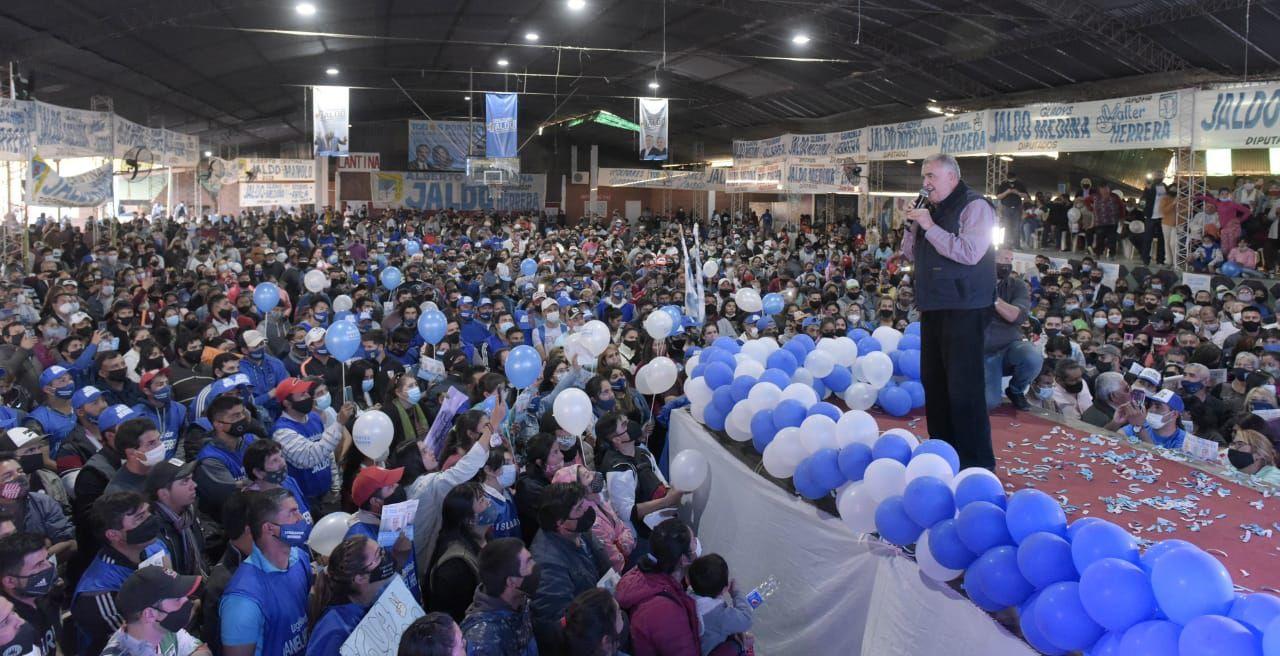 Jaldo participó en un multitudinario acto en Leales.
