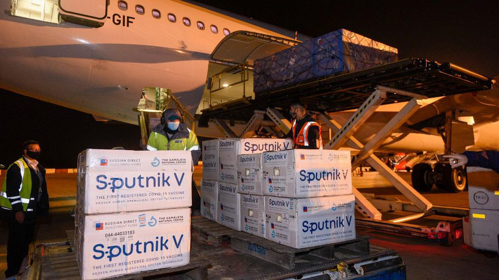 Argentina envía otros dos vuelos a Rusia para buscar más dosis de la vacuna Sputnik V