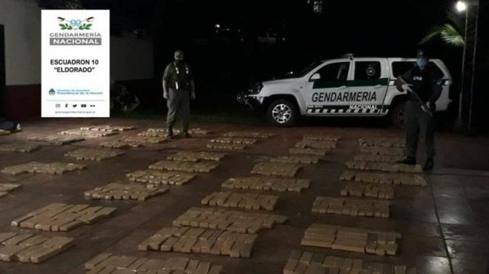 Secuestran una camioneta de alta gama repleta de marihuana