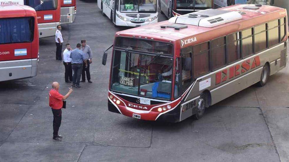 Aoita confirmó que vuelve el transporte interurbano en Córdoba