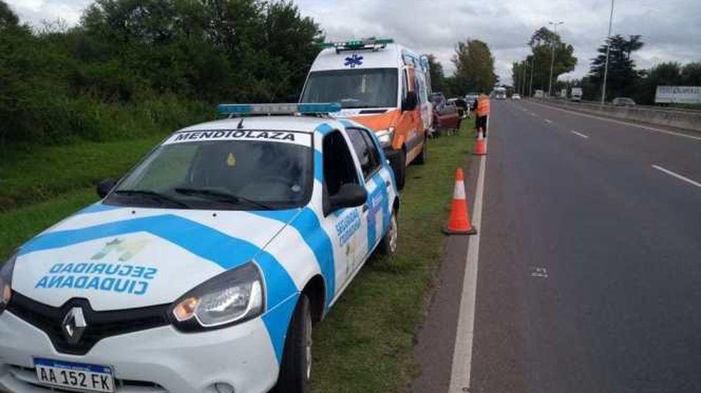 Accidente en Ruta E-53: perdió el control de su vehículo y colisionó contra un paredón