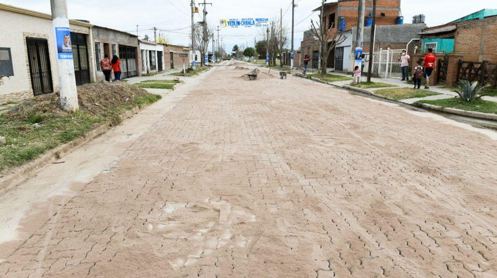 Manzur recorrió obras en San Andrés