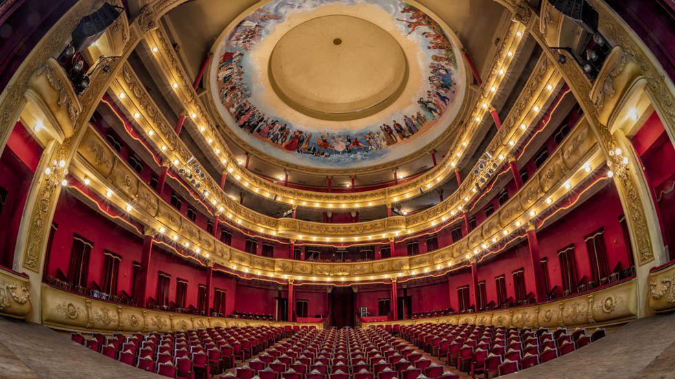 Nueva propuesta con escenario en el hall del Teatro Vera